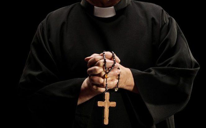 eight_col_priest